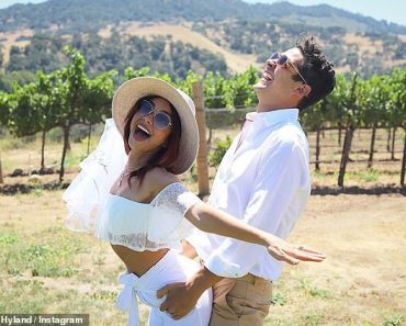 Sarah Hyland divulges further details of her would-be-wedding day celebrations 3