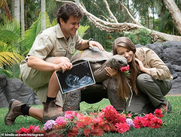 Bindi Irwin 'having the best time of her life' being pregnant 4