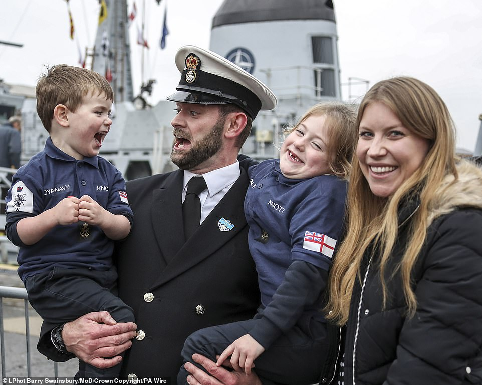 Royal Navy heroes seen in pictures for armed force's annual photographic competition  6