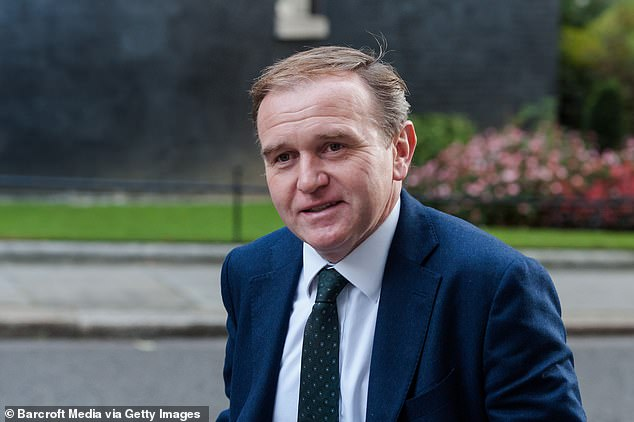 Brexit: Environment Secretary George Eustice threatens standoff with EU trawlers 1