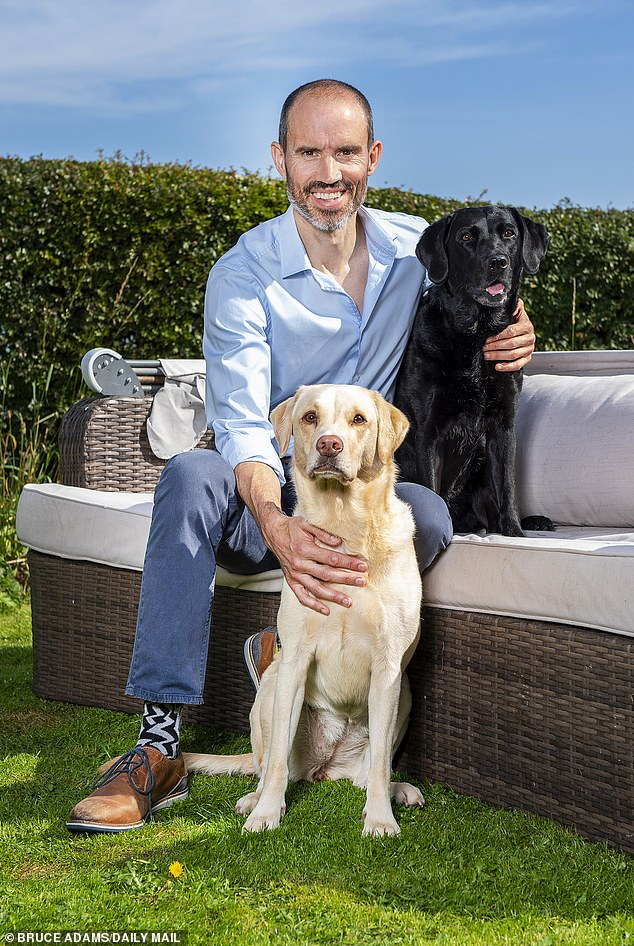 How ANDREW COTTER's two dogs stole the hearts of the nation 3