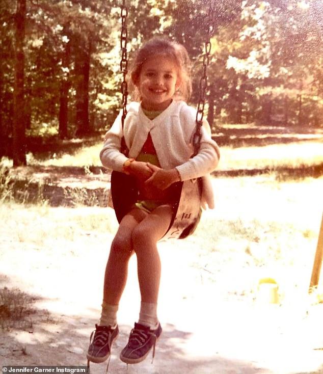 Jennifer Garner shares adorable childhood throwback snap 1