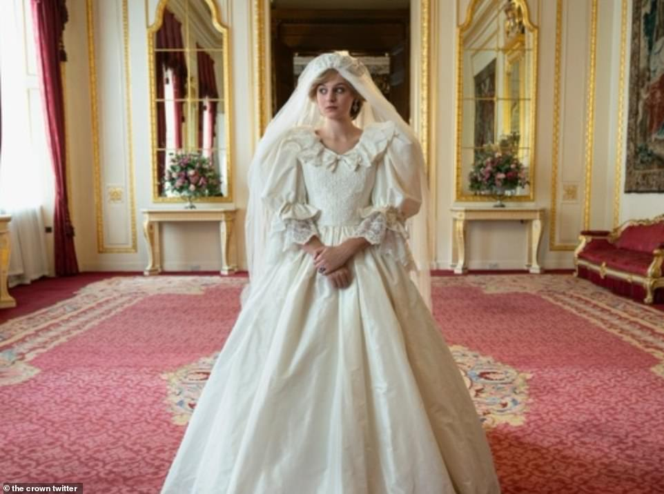 The Crown series four FIRST LOOK: Emma Corrin is the spitting image of Princess Diana 3