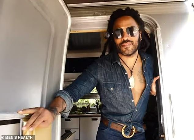 Lenny Kravitz opens up about the 'very open dialogue' he shares with actress daughter Zoe Kravitz 6