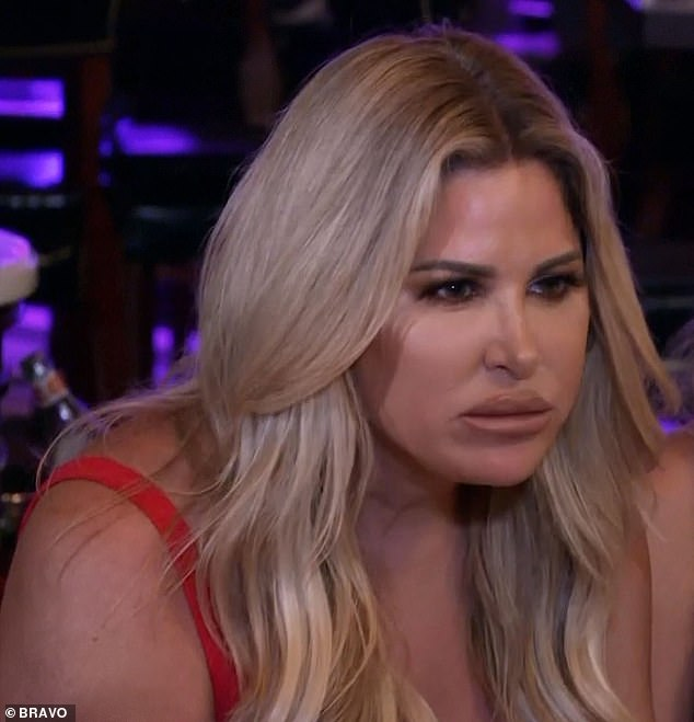 Don't Be Tardy: Kim Zolciak learns her estranged father Joseph had cancer from Aunt Lorie 3