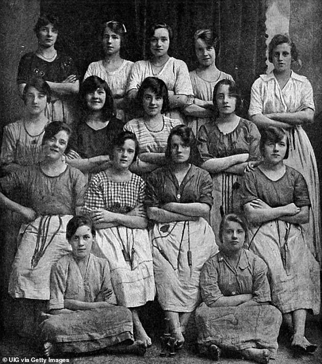 Black-and-white snap of Victorian mill workers leaves Mumsnet users 'spooked' 4