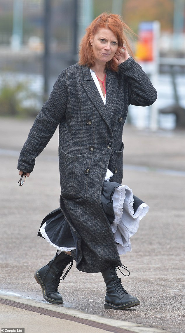 Corrie stars arrive on set as preparations are underway for 60th anniversary special 19
