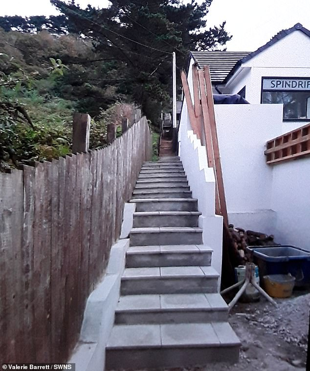 Elderly couple slam holiday firm over 43 steps to their Cornwall cottage 3
