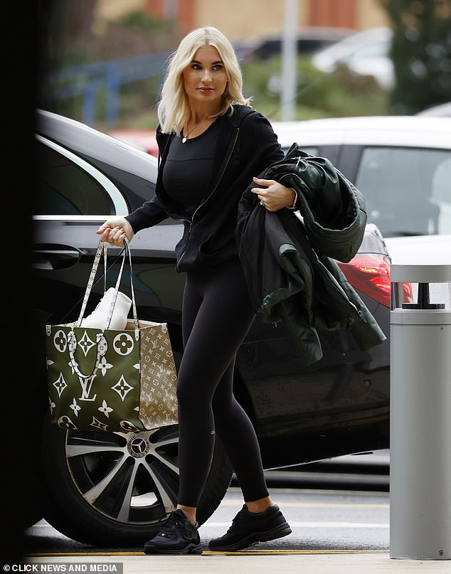 Billie Faiers shows off her svelte figure in workout gear as she leaves Dancing On Ice training 5