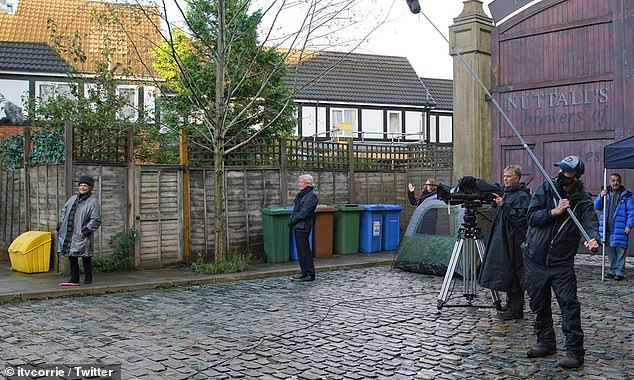 Coronation Street's Bill Roache and Barbara Knox RETURN to filming for soap's 60th Anniversary 5