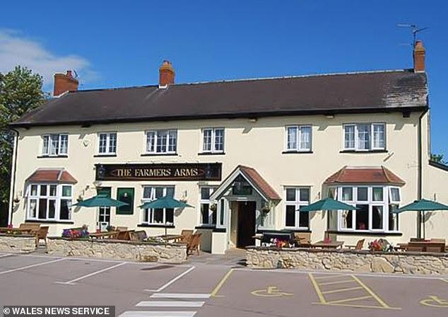 Coronavirus UK: South Wales pub rents table 'desks' to homeworkers 2