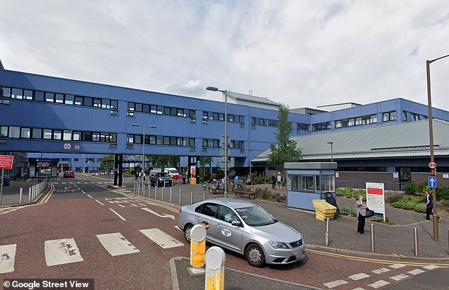 Covid outbreak on cancer ward at Edinburgh hospital results in up to FOUR deaths 2