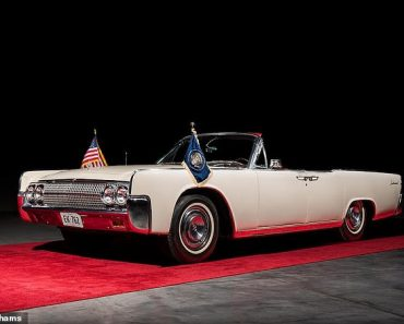 Lincoln Continental that JFK rode in on morning of his assassination sells for $375,000 at auction 3