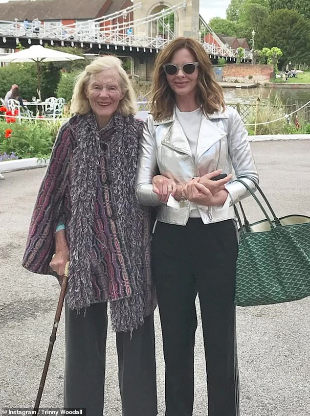 Trinny Woodall reveals her 'darling mummy' Ann has passed away aged 90 16