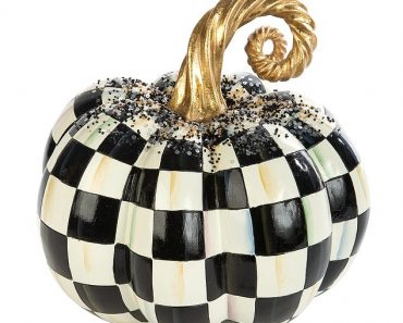 How to decorate your home this Halloween 4