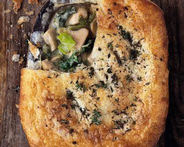 Super weekday suppers: Chicken, mushrom & kale pie 2
