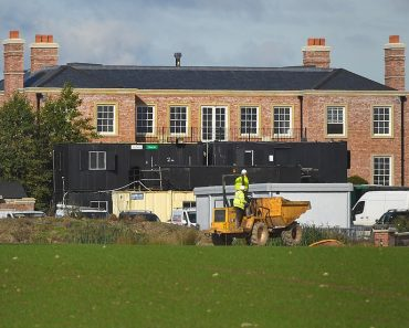 Wayne and Coleen Rooney's move to £20m mansion delayed AGAIN 9