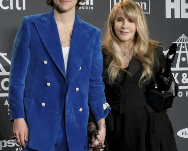 Stevie Nicks reveals she shares a close friendship with Harry Styles 6