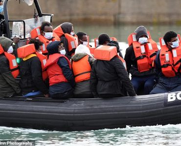 People traffickers 'are paying French fishing boat crews to get migrants across the English Channel' 3