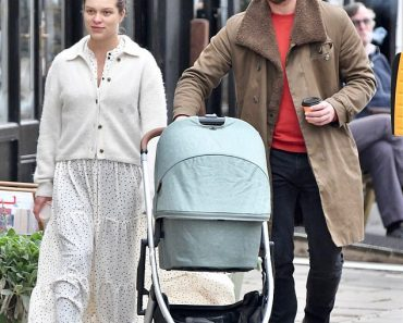 Keeler actress Sophie Cookson looks fresh-faced as she takes a stroll with her baby 5