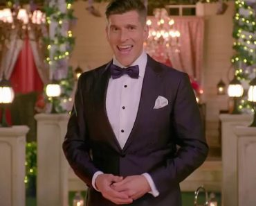 Bachelorette host Osher Gunsberg hopes Pascal Wallace 'has a chance to learn' from his experience 1