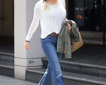 Russell Crowe's ex-wife Danielle Spencer looks decades younger than 51 5
