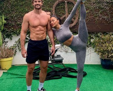 Nicole Scherzinger kicks her leg in the air after couples' workout with Thom Evans 5