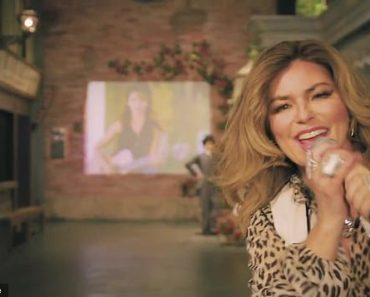 Shania Twain performs a rousing rendition of Whose Bed Have Your Boots Been Under 9