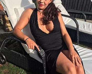 Woman, 27, with heart condition collapsed and died at garden party 4