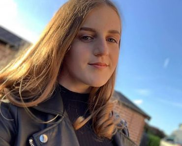 Talented showjumper, 16, killed herself, inquest hears  2