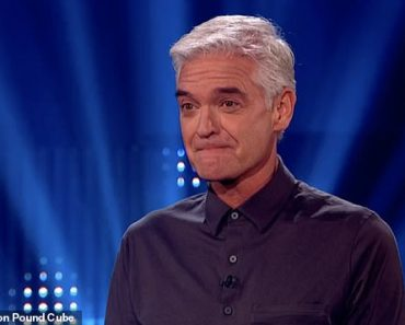 Phillip Schofield gets emotional on Million Pound Cube after father gives winnings to his children 2