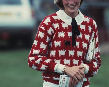 Why the style set are flocking to buy Diana's woolly 8