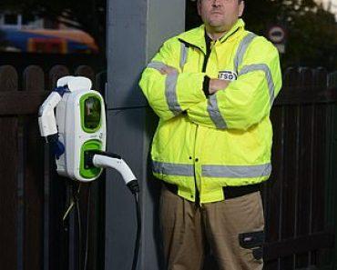 Man dons hi-viz gear to install fake £95 speed camera outside house 5