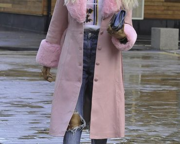 Olivia Attwood looks chic in a pink coat as she steps out with fiancé Bradley Dack in Manchester 6