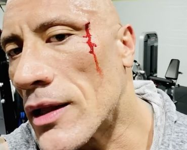 Dwayne 'The Rock' Johnson tastes own BLOOD from cut on his face 4